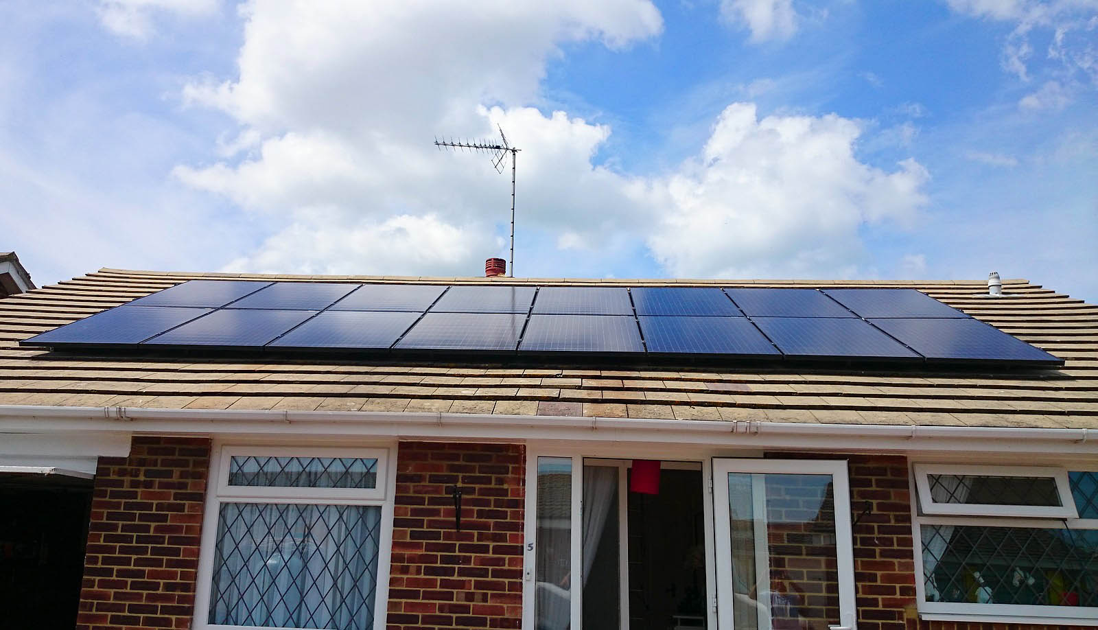 Bungalow house near Cambridge with a set of solar panels installed by Green Solar World