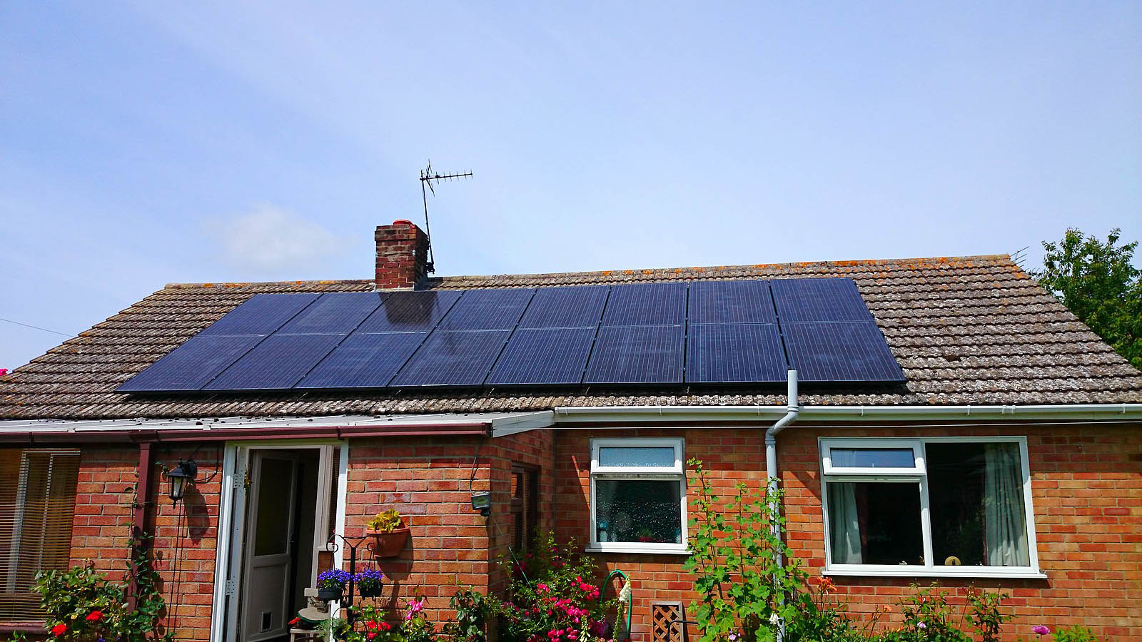 solar-panels-above-a-bungalow-near-cambridge